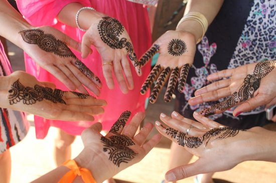 Mystic India: Mehndi for guests