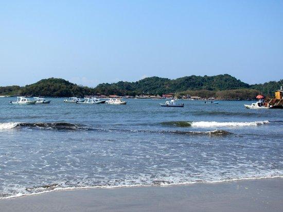 Ixtapa Island (Isla Ixtapa) : Boat to Isla Ixtapa at Playa Linda
