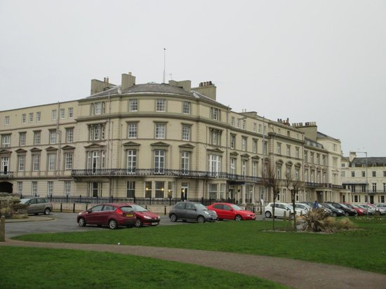 Bay Carlton Hotel: View from the Prom