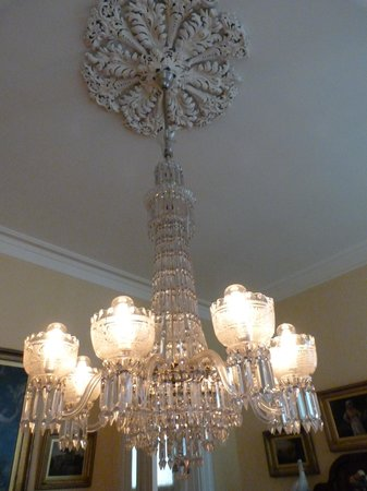 Goodwood Museum and Gardens : Dining room chandelier
