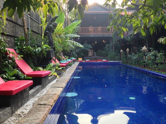 Petit Temple Suite & Spa: relaxing pool