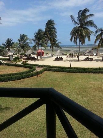 Kunduchi Beach Hotel And Resort: View from the Balcony of my Room