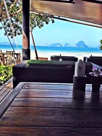 The Tubkaak Krabi Boutique Resort : breakfast with a view and a half!