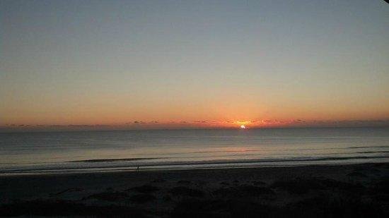 Ocean Landings Resort and Racquet Club: sunrise
