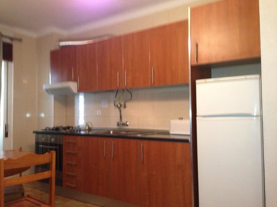 Apartamentos Paula Bela: Big kitchen