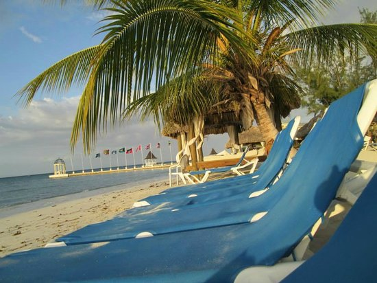 Sandals Montego Bay : Beach