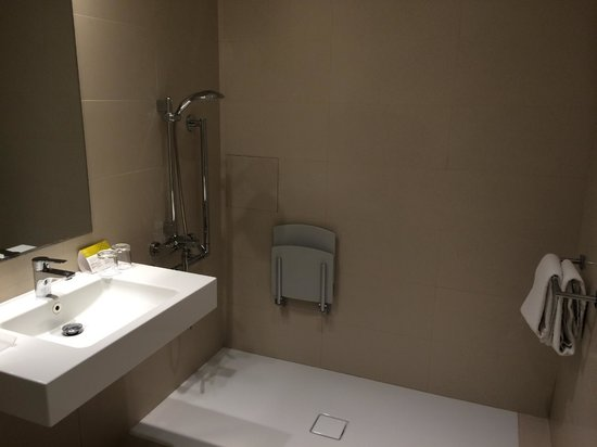 Hotel Exe Paris Centre: bagno