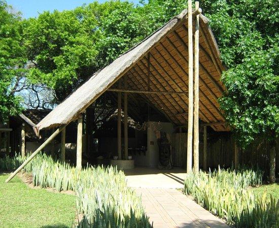 "Simbavati River Lodge: Simbavati ""lobby"""