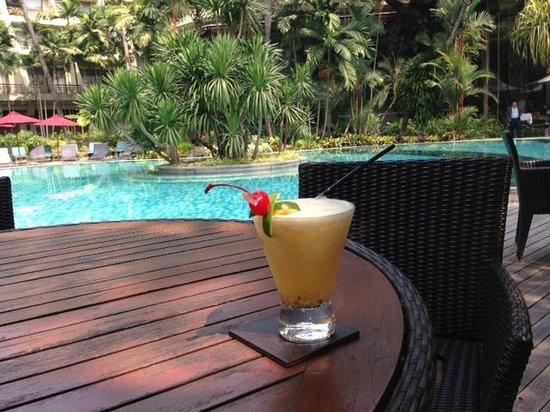Swissotel Nai Lert Park : Amazing non alcoholic drinks pool side.. yum