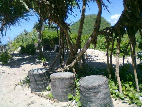 Tempat Duduk Santai Untuk Menikmati Keindahan Pantai Gua Cina Goa Cina Beach Malang Resmi Tripadvisor