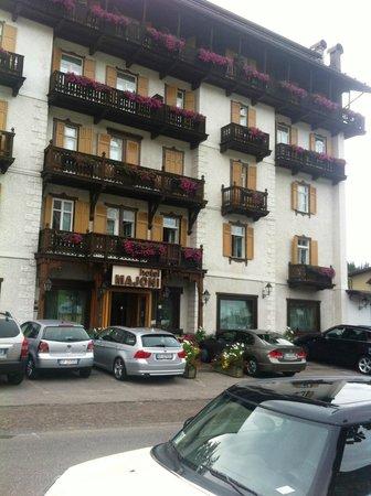 Hotel Majoni: Facciata su Via Roma