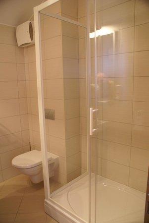 The Maritimo Hotel: salle de bains