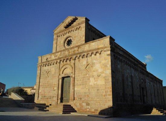Basilica Romanico Pisana di S. MARIA di MONSERRAT