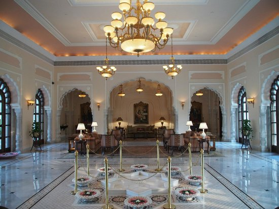 Rambagh Palace: Lobby
