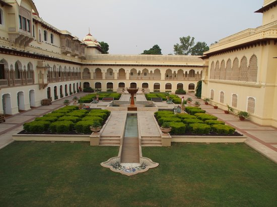Rambagh Palace: Central courtyard