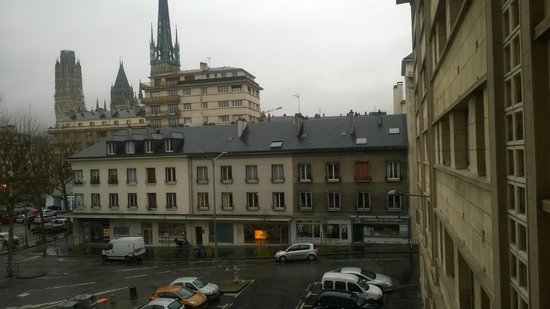 Hôtel Ibis Styles Rouen Centre Cathedrale : The view out side of the room I stayed