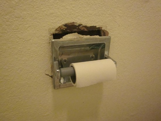 Days Inn Carlisle: another view of toilet paper holder / hole in wall