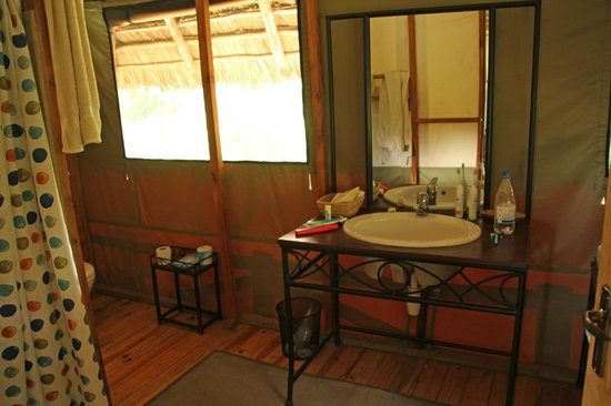 Lake Burunge Tented Camp : Inside Tent