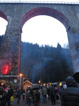 BEST WESTERN Hotel Hofgut Sternen: Christmas market in The ravenna gorge