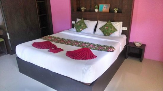 Peaceful House: Кровать