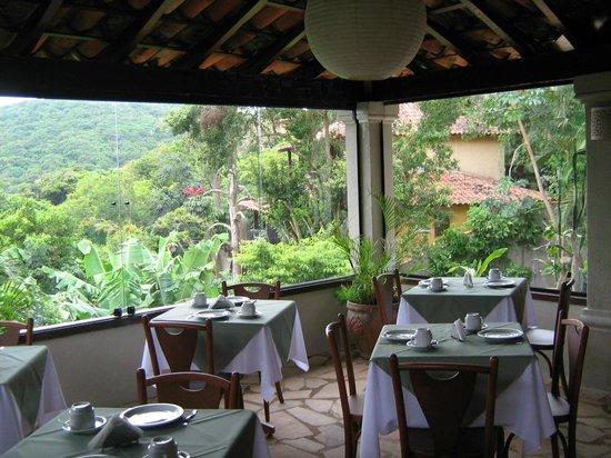 Servus Guest House : sala de cafe da manha
