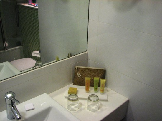 Crowne Plaza Hotel Eilat : ванная комната