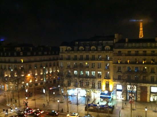 Fraser Suites Le Claridge Champs-Elysees: Balcony view