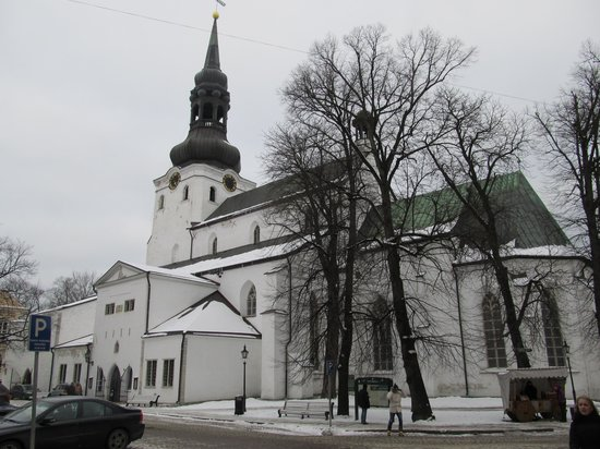 Église du Dôme : Подходим к главному храму Таллина