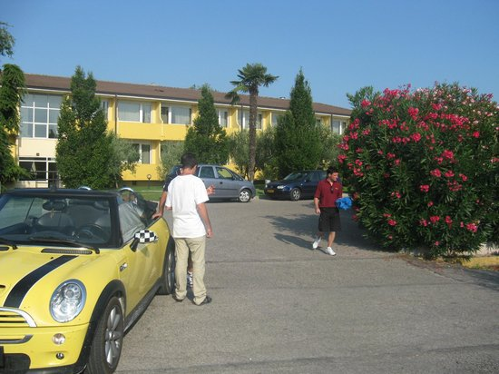 Hotel Centro Turistico Gardesano: Один из корпусов