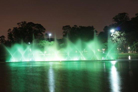 Parc d'Ibirapuera : Fonte do Lago do Ibirabuera
