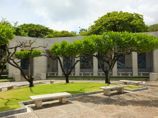 National Memorial Cemetery of the Pacific: Mosaic Garden..!
