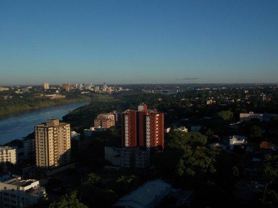 Wyndham Golden Foz Suites: Vista para o Paraguai