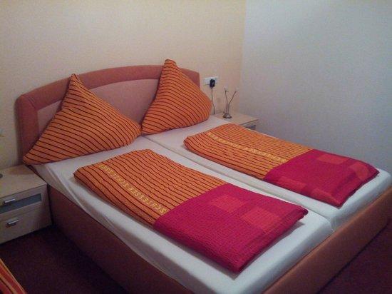 Gasthaus Linde : lit 2 personnes