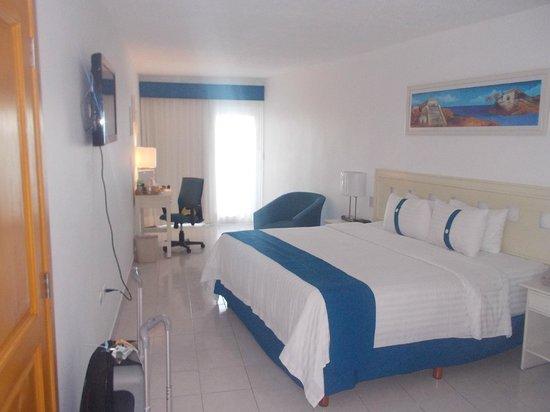 Holiday Inn Cancun Arenas: HABITACION CONFORTABLE