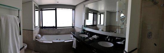 Renaissance Sao Paulo Hotel : Bathroom