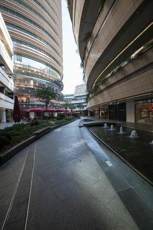 Kanyon Shopping Center: wonderful archetecture