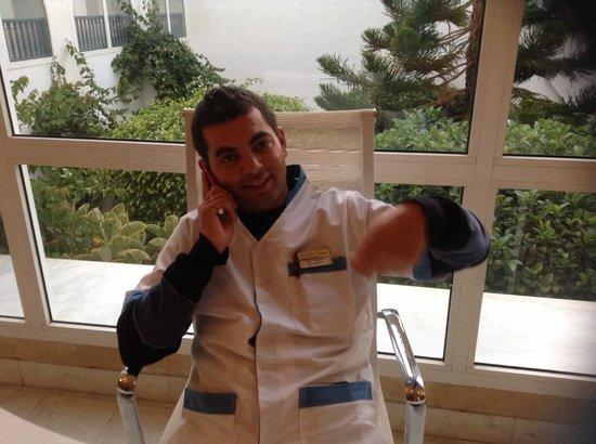 El Mouradi Djerba Menzel: Alex Wellnessbereich am Schreibtisch réception
