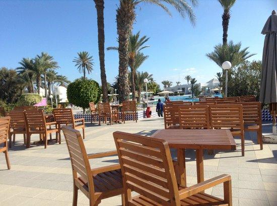 El Mouradi Djerba Menzel: Terrasse