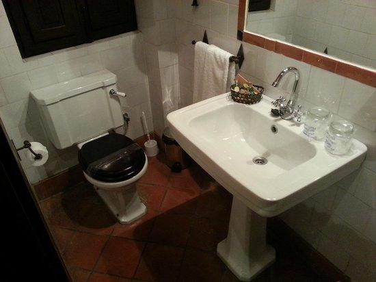 Hotel Casa del Capitel Nazari: Baño