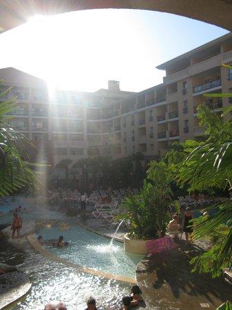 Pierre & Vacances Residenz Cannes Beach: Внутренний двор