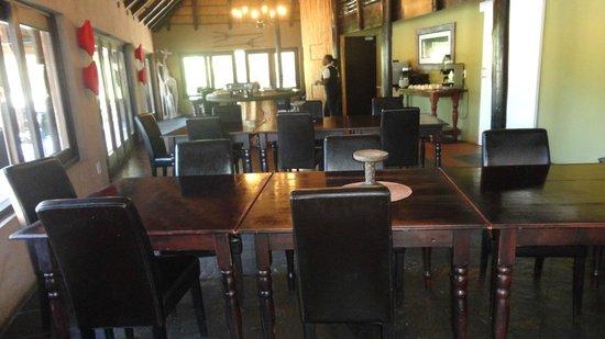Kariega River Lodge: Rum i huvudbyggnaden