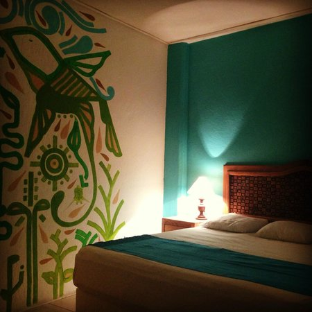 Emperador Vallarta Beachfront Hotel & Suites: Another piece of art covering a large wall of one of our Jr Suites.