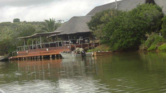 Kariega River Lodge: Lodgen
