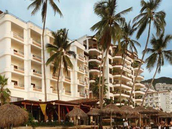 Emperador Vallarta Beachfront Hotel & Suites: Emperador Hotel view from our Beach