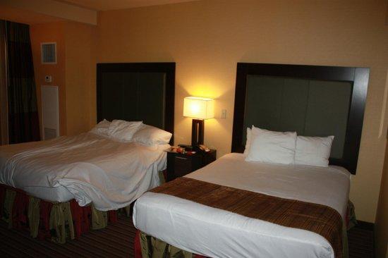 Eastside Cannery Casino & Hotel: Room