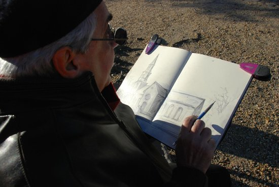 Inn at Horn Point: Plein air drawing and painting seen regularly in town