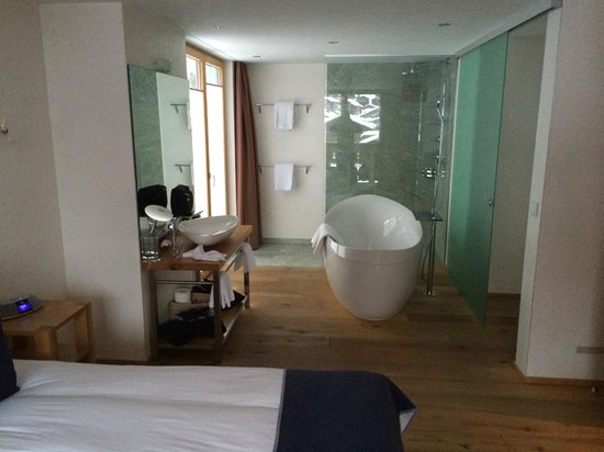 Hotel Firefly: Eins von drei Zimmer......