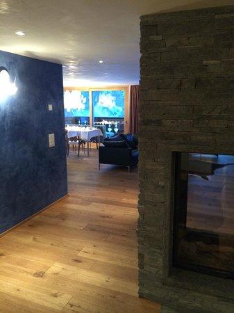 Hotel Firefly: Eingangsbereich/Wohnbereich