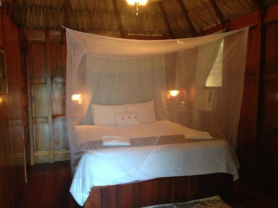 St. George's Caye Resort : Room interior