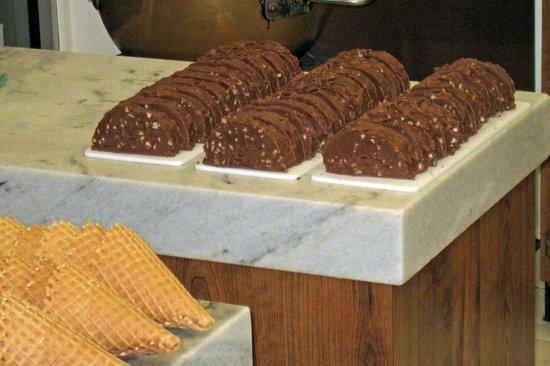 Kilwin's Chocolate and Ice Cream: Mackinac Island Fudge